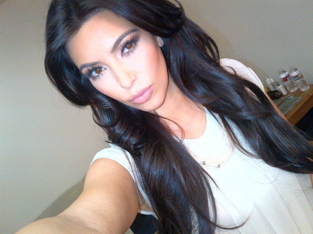 You are Kim kardashian selfie