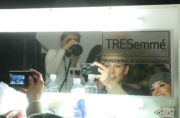 Karlie Kloss selfie