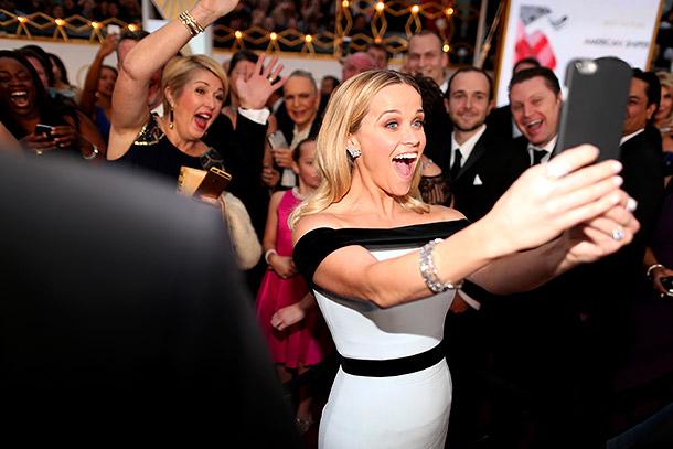 Reese Witherspoon selfie