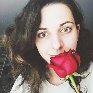 roseselfie girl