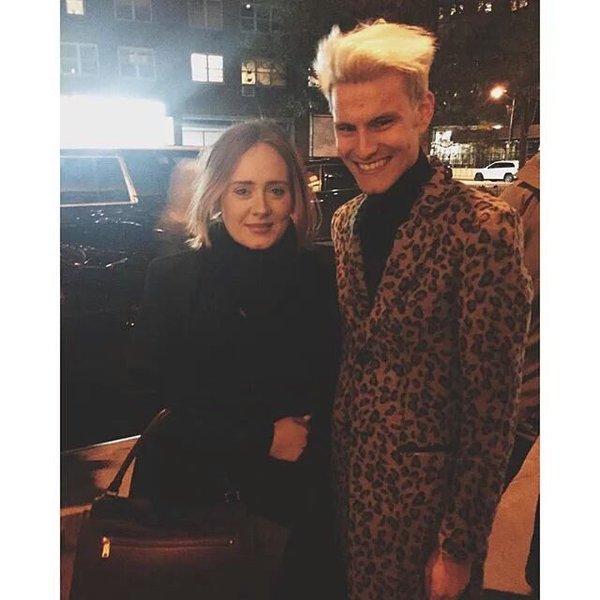 Adele fan1 selfie