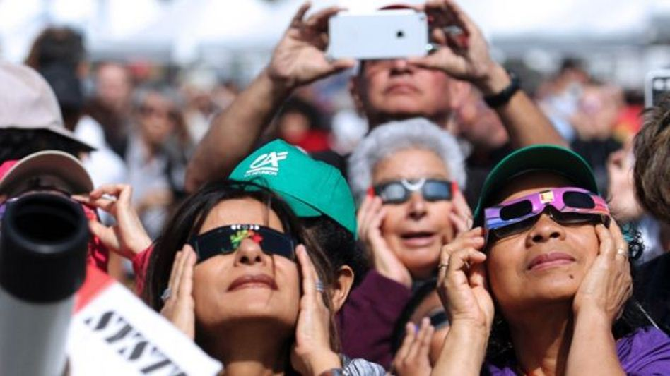 eclipse-selfie