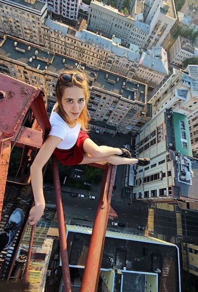 Extreme Selfies The Best Or The Craziest Theselfiepost