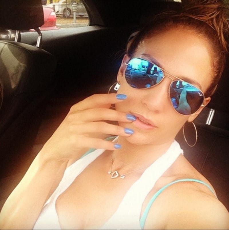 Demi Lovato T. Rex selfie