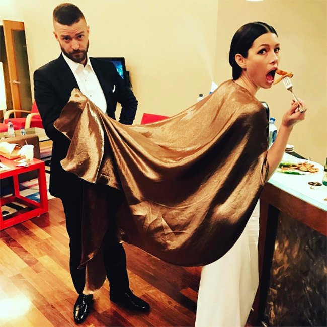 The Oscar selfies celebrities Jessica Biel and Justin Timberlake