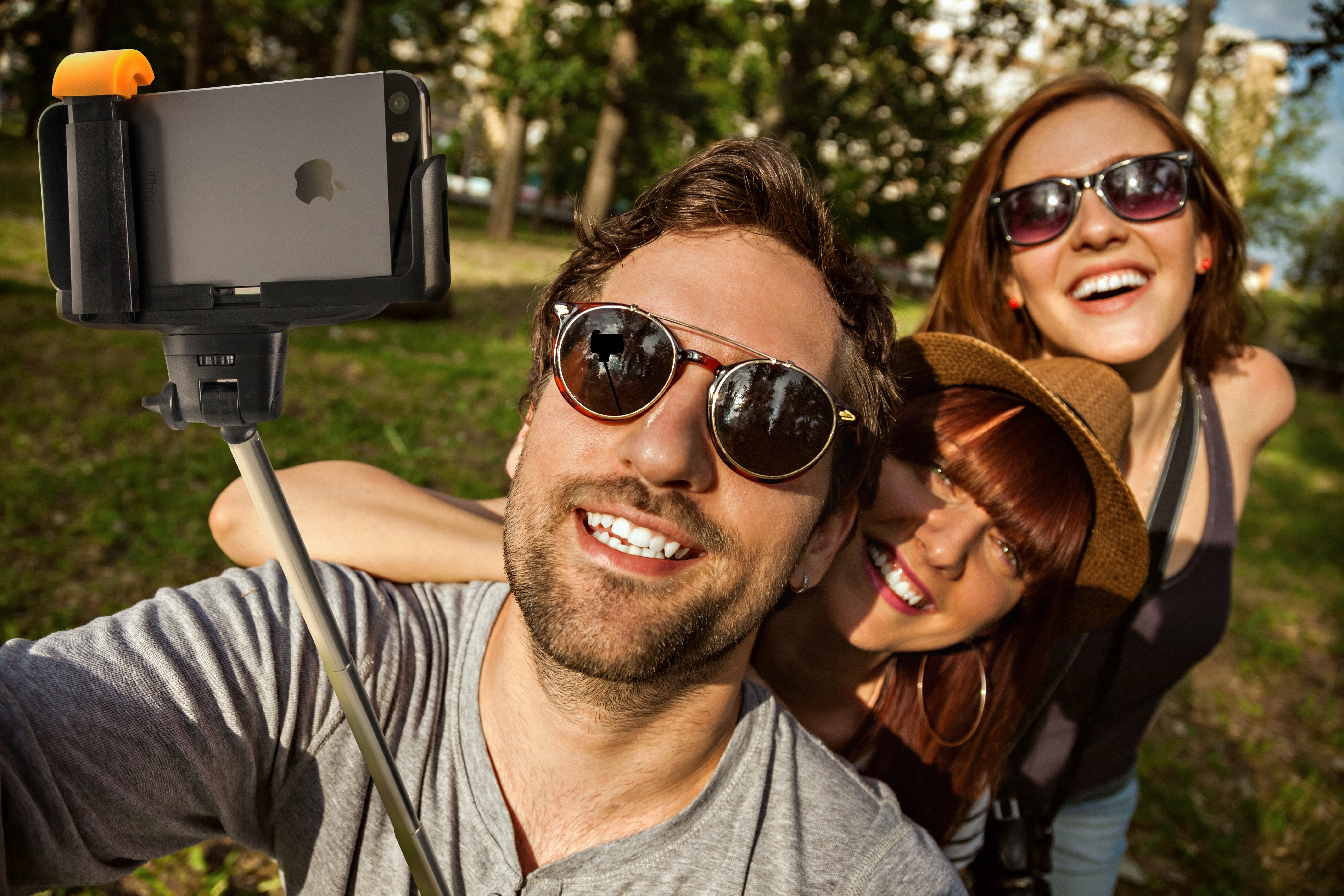 selfie stick selfie with friends