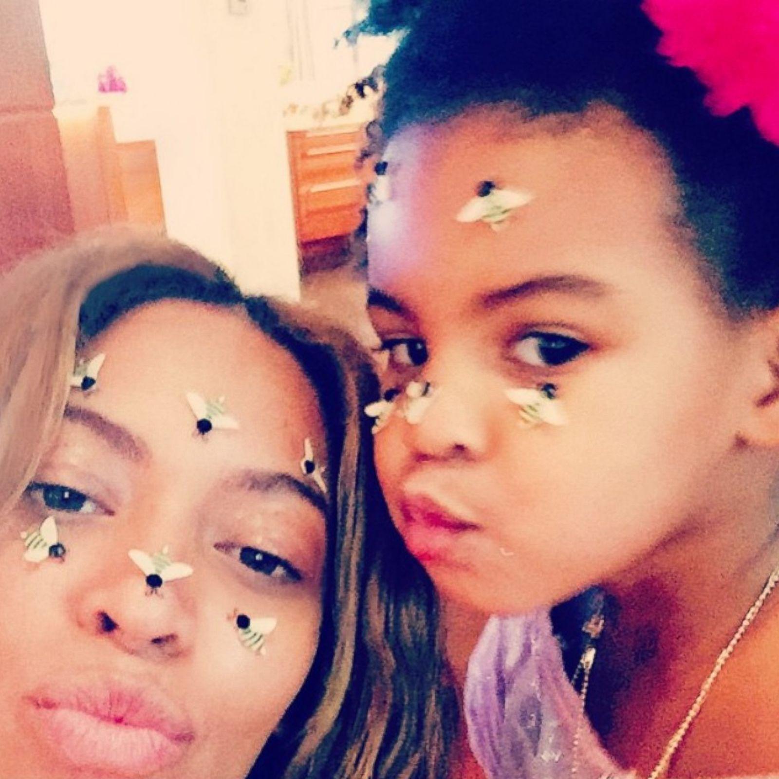 Beyoncé selfie