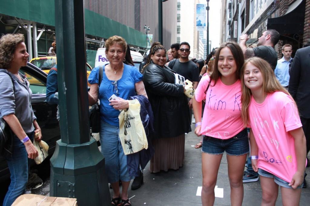 meanwhile-jessie-valvo-14-and-jamie-valvo-12-were-on-the-street-wearing-homemade-kim-k-is-bae-t-shirts