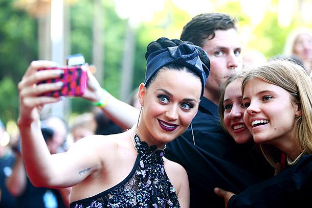 Katy Perry selfie