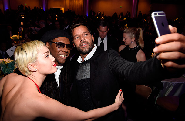 Miley Cyrus, Ricky Martin and Nile Rodgers taking selfie