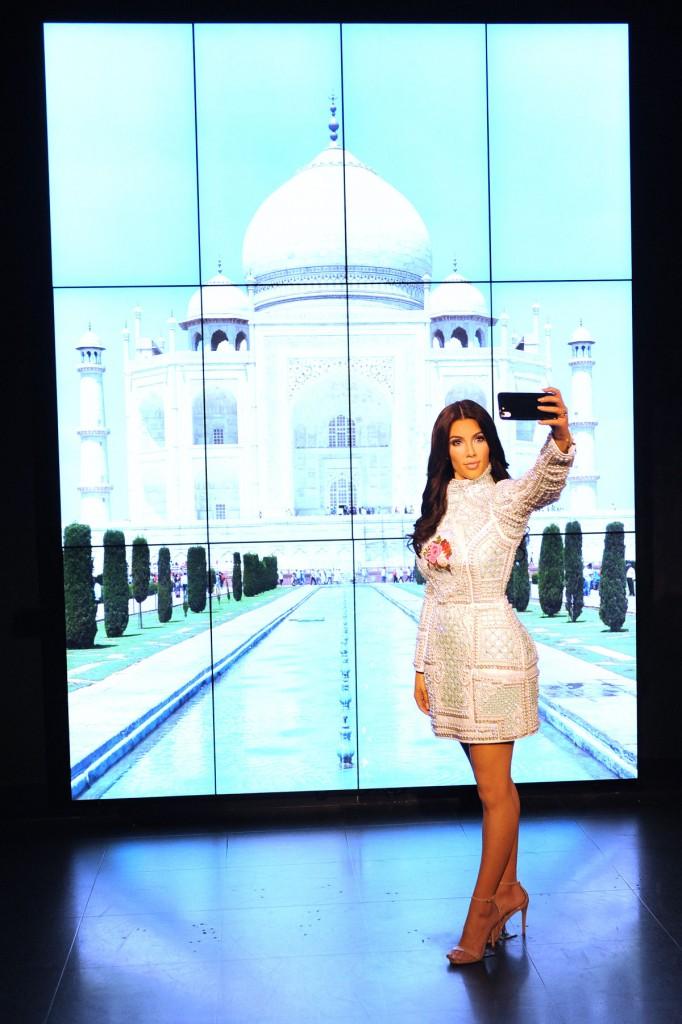 Taj Mahal selfie