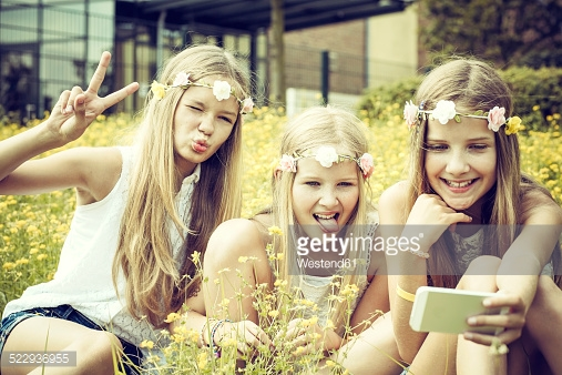 kids with flowers pic