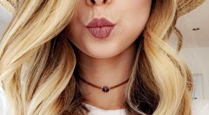 Selfies boost lipstick sales