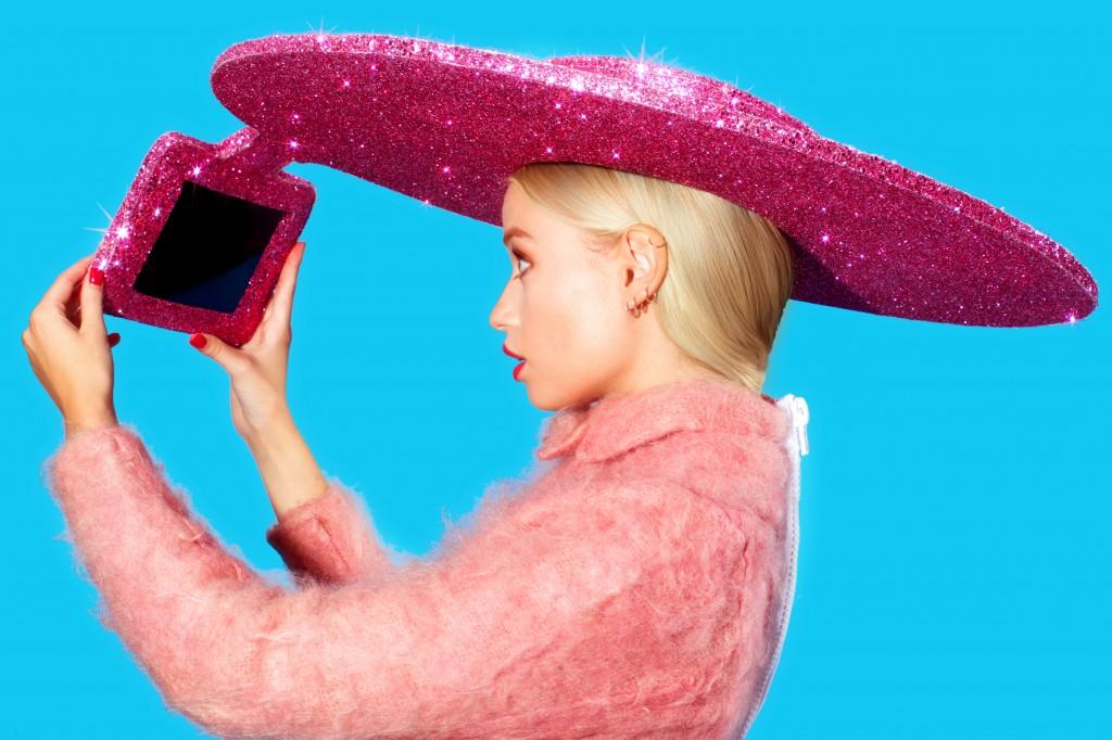 Selfie Hat unusual selfie gadgets