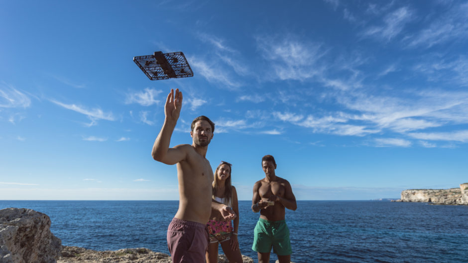 Hover Camera Passport Drone: new way of taking selfies